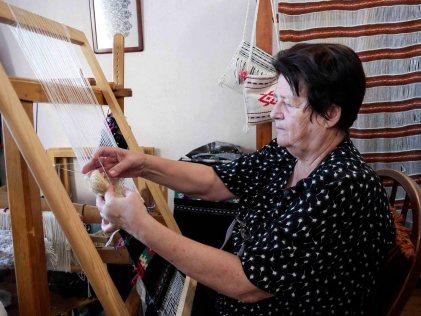 tkanje na razboju 1