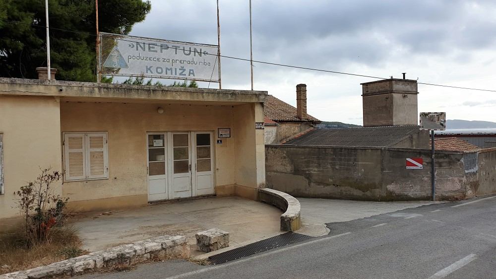 Tvornica Neptun Komiža